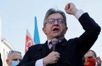 У Франції політика обсипали борошном  на мітингу проти Ле Пен