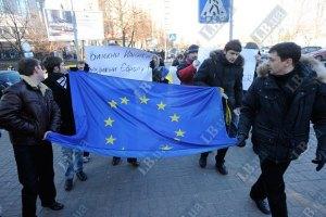 Сторонников вступления в ЕС остается больше, чем присоединения к ТС