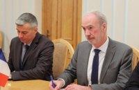 """Франція готова допомогти Україні в розшифруванні """"чорних скриньок"""" збитого літака МАУ, - посол"""