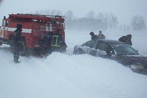 """Ровенская область """"пала жертвой"""" сильного снегопада"""