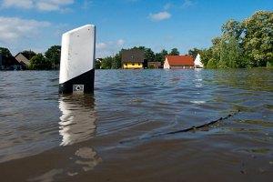 Из-за наводнения на западе Канады эвакуируют 100 тысяч человек