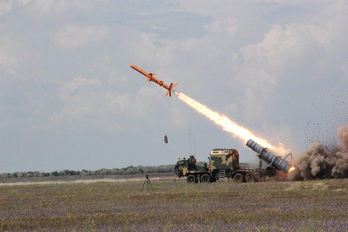Випробування крилатих ракеты 'Нептун'