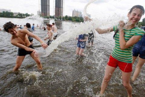 У середу в Києві спека знизиться до +30 градусів