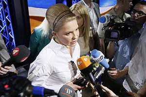 Тимошенко привітала Порошенка з перемогою на виборах