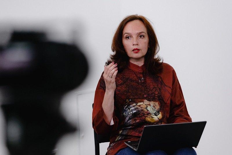 Оксана Довгополова