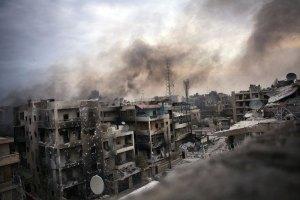 Сирия: в Алеппо повстанцы выпустили ракету по жилому дому, есть жертвы