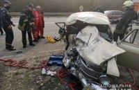 В Киеве произошло ДТП с участием микроавтобуса и легковушки, есть погибшие