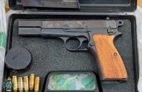 Екскерівник підрозділу ДСНС на Львівщині торгував зброєю і ртуттю