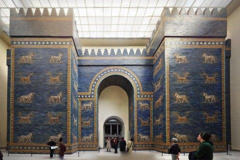 В музеях Берлина произошел масштабный акт вандализма