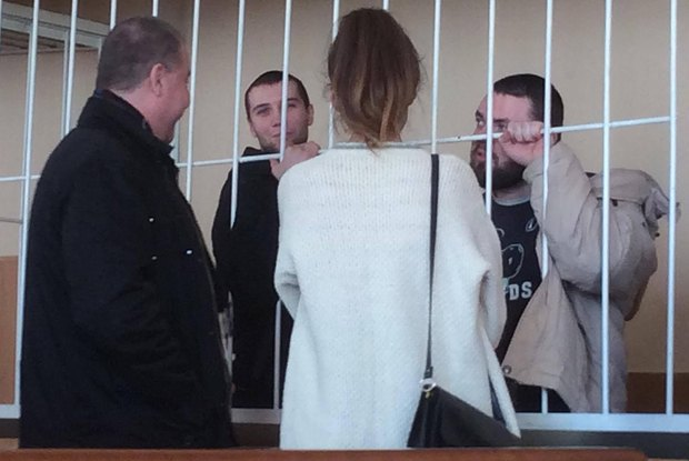 Подозреваемые Завражин(слева) и Горбенко в зале суда