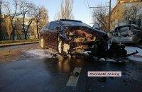 """17-річний підліток у Миколаєві розбив батьківську """"Toyota"""""""