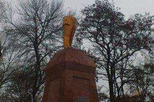 В Сумской области идет борьба за место под разбитым памятником Ленина