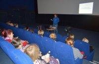 """Коммунальный кинотеатр """"Братислава"""" временно стал центром умного досуга для оболонской общины"""