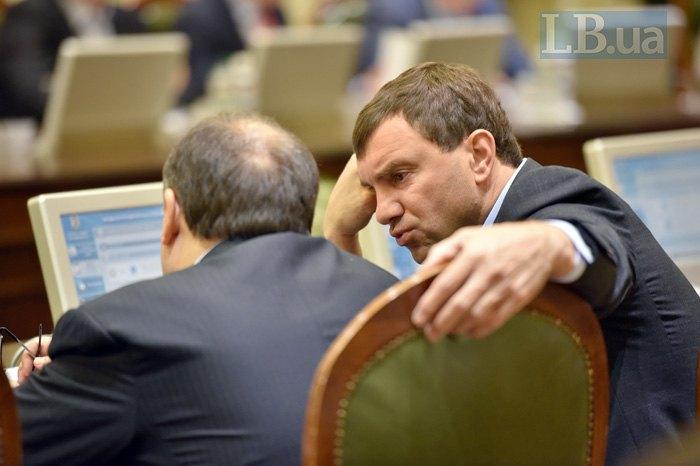Андрей Иванчук (справа) во время согласительного совета