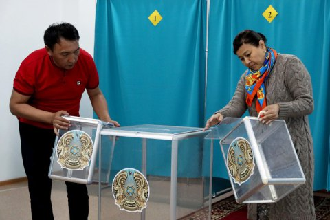 В Казахстане начались досрочные президентские выборы