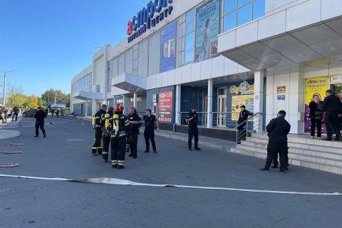 """Поліція перевіряє інформацію про масове """"мінування"""" заправок та супермаркетів на Луганщині"""