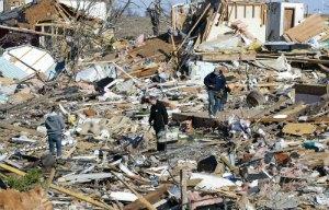 12 людей стали жертвами торнадо в США