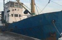 Прикордонники затримали судно, яке незаконно виловило 3,5 тонни риби в Азовському морі