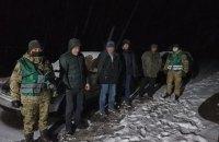 На Львовщине пограничники задержали россиянина, который перевозил нелегалов из Азии