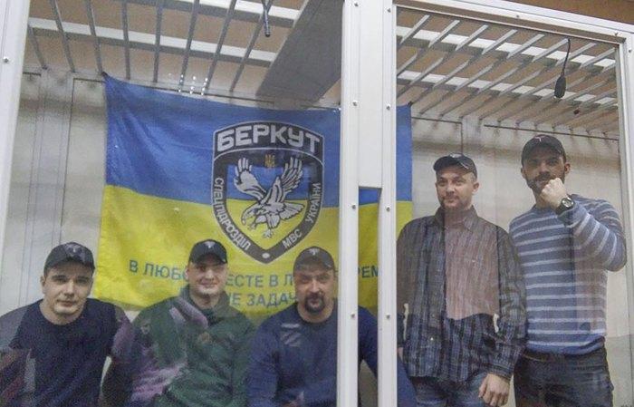 Сергій Зінченко, Павло Аброськін, Сергій Тамтура, Олександр Маринченко, Олег Янішевський (зліва направо) під час засідання суду