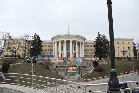 Бывшему директору Октябрьского дворца предъявили подозрение