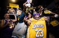 """Коронавирус заставил """"Лос-Анджелес Лейкерс"""" бессрочно отложить проведение чемпионского парада"""