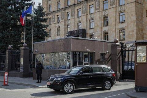 Чехія вимагає від Росії повернути висланих дипломатів, у Кремлі відповіли