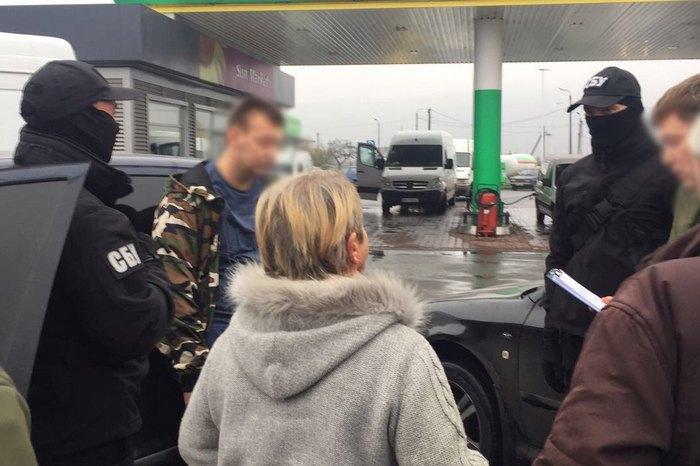Офіцер Мукачівського прикордонного загону попався на хабарі