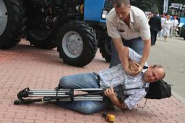 Охрана Януковича решила, что журналисты ходят с гранатами