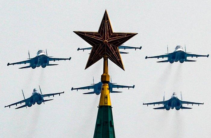 Во время репетиции парада в Москве, 04 мая 2020.