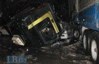 ДТП в Киеве: от грузовика оторвалась водительская кабина