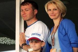 Сын Абрамовича приценивается к российской нефтянке