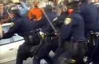 Іспанська поліція кийками намагалася втихомирити натовп протестувальників