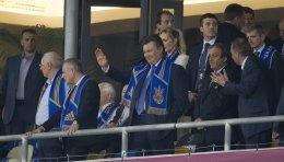 Янукович розділив з уболівальниками радість від гола Шевченка