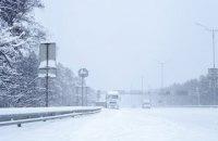 У Києві ввели обмеження на в'їзд вантажівок через снігопад