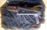 В киевской квартире нашли застреленного иностранца, автомат и два пистолета