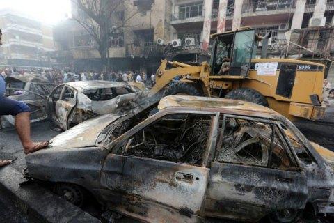 Мощнейший взрыв автомобиля вцентре Багдада попал навидео