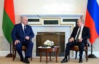 """Лукашенко на встрече с Путиным заявил, что """"не парится"""" из-за санкций"""