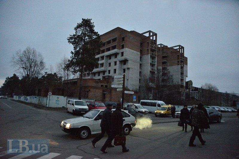 Недостроенная еще в советское время гостиница