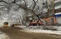 Одессу засыпало снегом, в городе затруднено движение транспорта