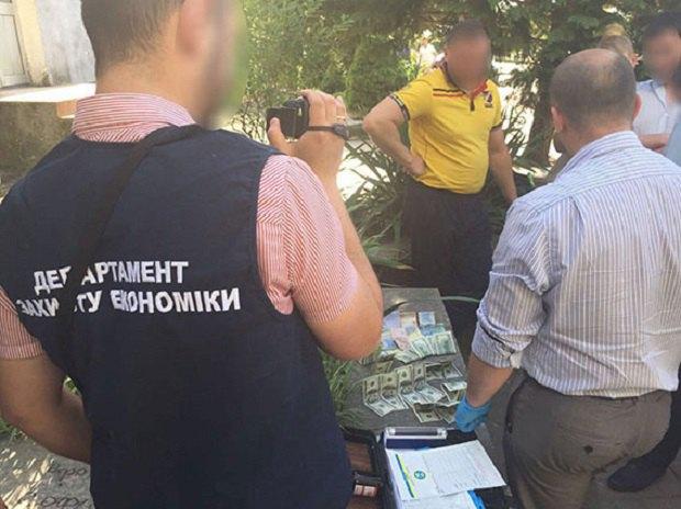 Мера, депутатів та їхніх підлеглих затримали захабарі вЗакарпатській області