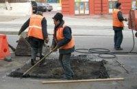 У Азарова написали програму розвитку автодоріг