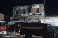Подозреваемую по делу о пожаре в хостеле в Запорожье суд отправил под домашний арест
