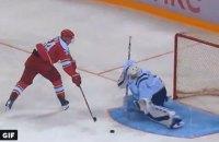 В чемпионате КХЛ хоккеист издевательски реализовал буллит