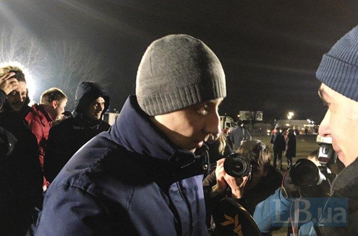 Cтанислав Асеев после приземления в Киеве в день освобождения