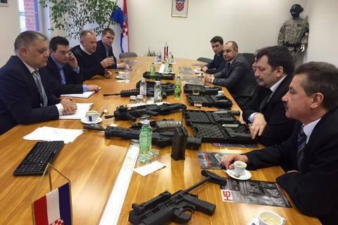 Украина купила 100 хорватских пистолетов