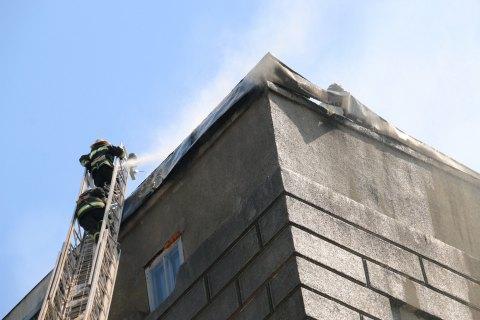 У Харкові через пожежу на даху 8-поверхового житлового будинку евакуювали 37 людей
