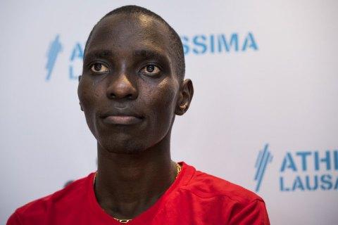 Дисквалифицированный за допинг олимпийский чемпион угрожает использовать оружие, если у него отберут медали
