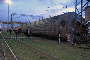 Под Запорожьем сошел с рельсов пассажирский поезд