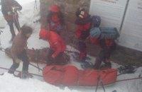 Спасатели не могут спустить тела туристов, погибших на горе Поп Иван, из-за непогоды (обновлено)